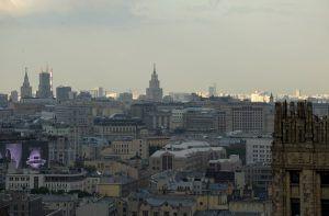 """Девять производственных предприятий начали осуществлять строительство домов новых серий в столице. Фото: """"Вечерняя Москва"""""""