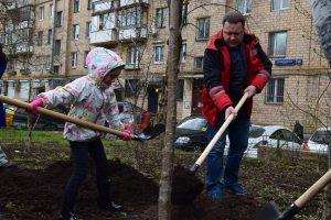 Жители района приняли участие в экологической акции. Фото: Мария Иванова, «Вечерняя Москва»