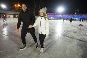 Дискотеку на льду организуют сотрудники Культурного центра «Новослободский». Фото: Антон Гердо, «Вечерняя Москва»