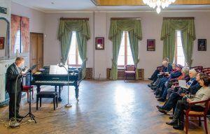 Мастер-класс «Бессмертный полк в семейных летописях» пройдет в библиотеке искусств имени Алексея Боголюбова. Фото: сайт мэра Москвы