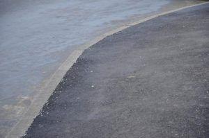 Сотрудники «Жилищника» отремонтировали асфальтовое полотно в районе». Фото: Анна Быкова