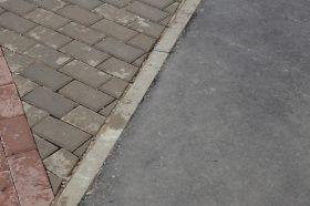 Бордюр заменили на улице Самотечная. Фото: Анна Быкова