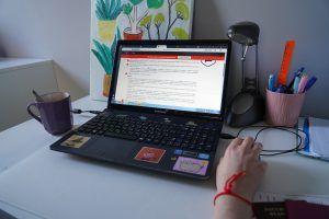 Запись онлайн-лекции опубликуют сотрудники музея Моды. Фото: Денис Кондратьев