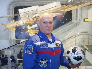 Депутат Московской городской Думы, космонавт-испытатель отряда космонавтов Олег Артемьев.