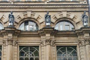 Скульптуры на Никольской улице отремонтируют. Фото: сайт мэра Москвы