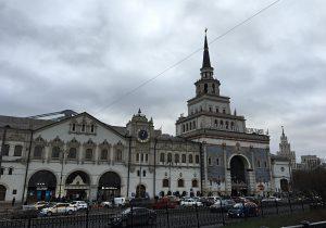 На столичных вокзалах во вторник выявили 147 нарушителей масочного режима. Фото: Анна Быкова