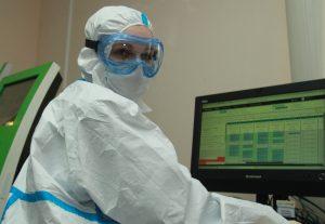 Москвичи смогут узнать результаты теста на коронавирус по смс. Фото: Наталия Нечаева, «Вечерняя Москва»
