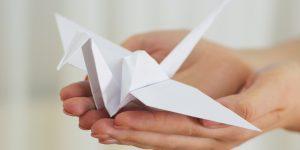 Мастер-класс по созданию фигурки в технике оригами опубликовали представители библиотеки искусств. Фото: сайт мэра Москвы