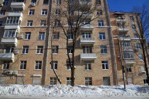 Дома в районе проверили на соблюдения правил безопасности. Фото: Анна Быкова