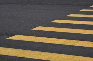 Ямочный ремонт дорожного покрытия осуществили на некоторых улицах района. Фото: Анна Быкова