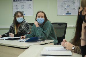 Представители студенческой юмористической команды стоматологического университета открыли набор новых участников. Фото: Антон Гердо, «Вечерняя Москва»