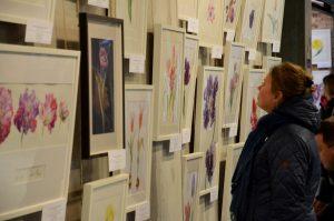 Выставка работ молодых художников пройдет в Чеховской библиотеке. Фото: Анна Быкова