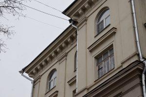 Капитальный ремонт фасада проведут в двух исторических зданиях Москвы. Фото: Анна Быкова