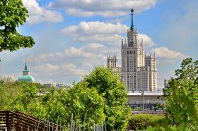 В Москве запустили розыгрыш автомобилей среди вакцинировавшихся. Фото: Анна Быкова