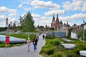 Оперштаб: В Москве доля молодых пациентов с COVID-19 составляет уже почти треть. Фото: Анна Быкова