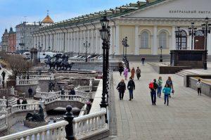 Движение будет ограничено на Манежной площади. Фото: Анна Быкова